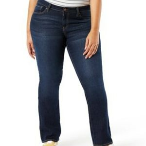 No Boundaries Mid Rise Bootcut Distressed Jeans 15